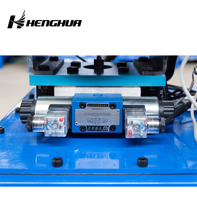 DX68W 220V 12 Sets Free Dies Hydraulic Hose Crimping Machine With Wheel / Hose Crimper